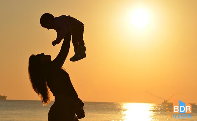 比达咨询:亲宝宝月活跃用户数居主要移动母婴工具类APP之首